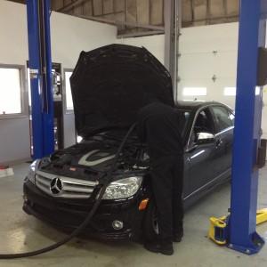 Mercedes-Benz service pic